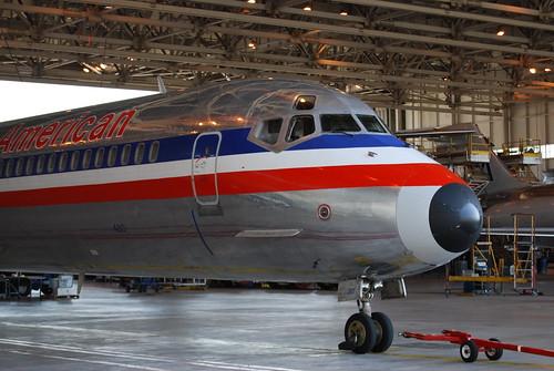 [11] MD-80 nose gear, cockpit,