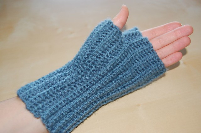 Crochet Wrist Warmers | All About Sewing Knitting and Crochet