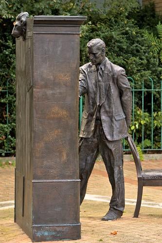 CS Lewis Statue, Connswater