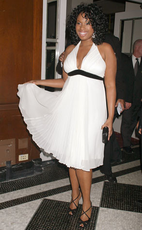 """The multi-talented and stunning Jennifer Hudson showing off her beautiful dress at the 2008 Academy Awards on Sunday, Feb. 24, 2008. She won the previous year for her performance in """"Dream Girls."""""""