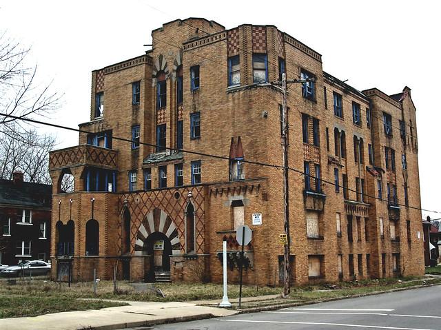 The Laredo Apartments Elmhurst Detroit 4 08 Flickr