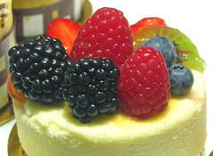 meal(0.0), breakfast(0.0), plant(0.0), produce(0.0), cake(1.0), berry(1.0), bavarian cream(1.0), frutti di bosco(1.0), fruit(1.0), food(1.0), dish(1.0), cheesecake(1.0), dessert(1.0), cuisine(1.0),