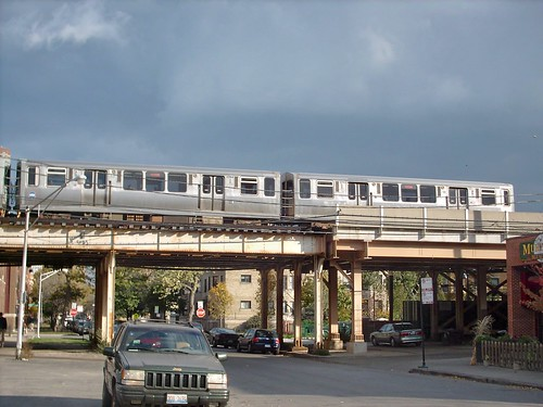 Southbound CTA Red line train at Waveland Avenue. Chicago Illinois. November 2007. by Eddie from Chicago