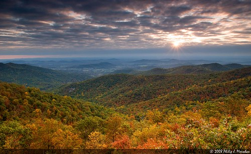 autumn fall nature landscape virginia nikon searchthebest scenic foliage shenandoah overlook shenandoahnationalpark hazelmountainoverlook d80 nikond80 karmapotd