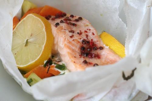 Saumon frais en papillote 4 5 pts maigrir avec ww - Saumon en papillote ...