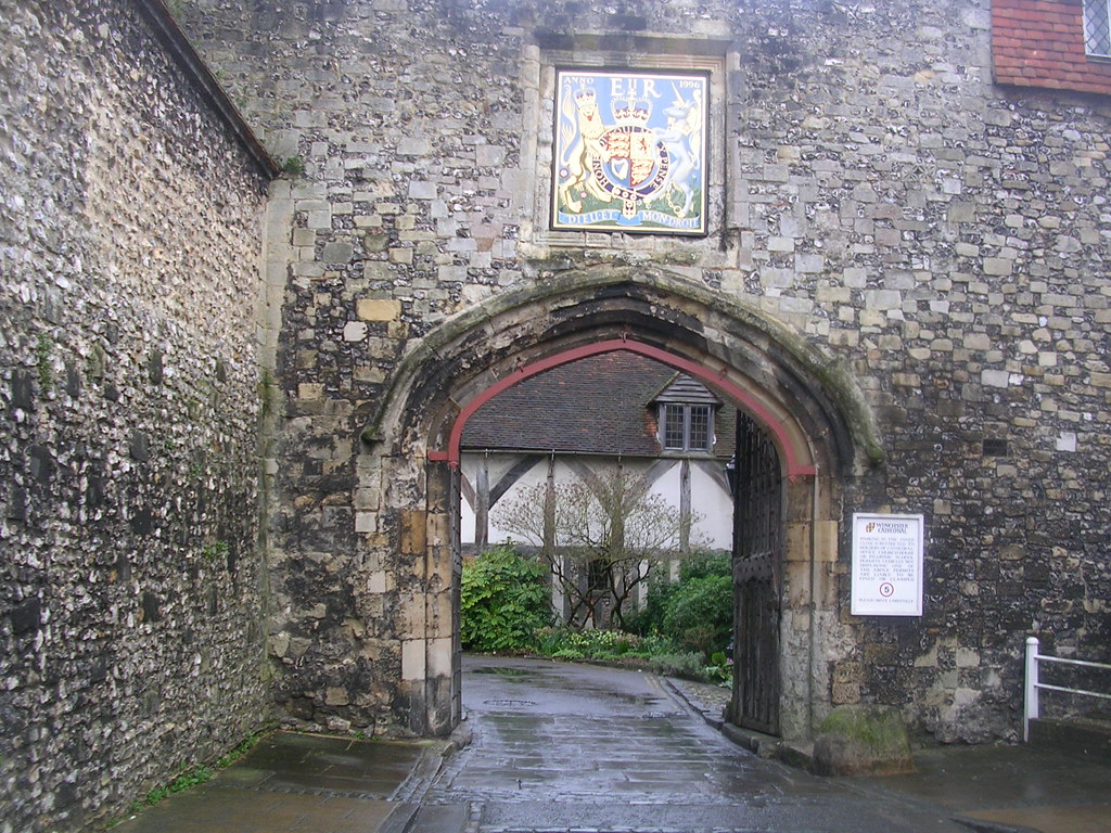 Cathedral gate Winchester Circular