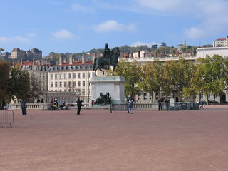 ภาพของ Statue équestre de Louis XIV. flickr place lyon bellecour