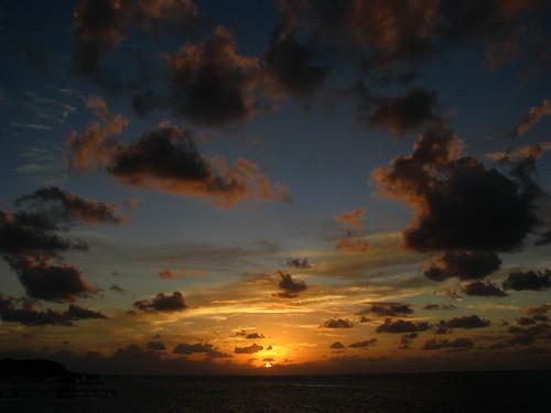 sunset grateful roatan crazyclouds explored shuttersisters hondurasbayislands vosplusbellesphotos onewordfebruary