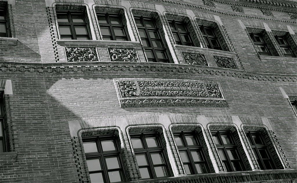 Sever Hall, Harvard (b&w)