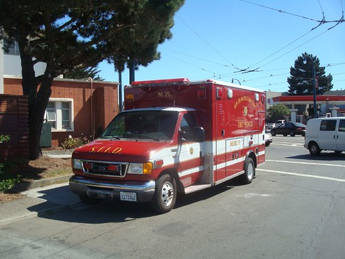 *SAN FRANCISCO FIRE DEPT. FIRE & RESCUE Ambulance 755-M 15 City College OF San Francisco MUNI Terminal Loop Ocean Avenue at Phelan Avenue.