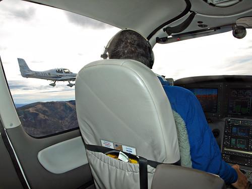 mike desert nevada flight formation kenny cirrus sr22 vendula n1mr n832lm