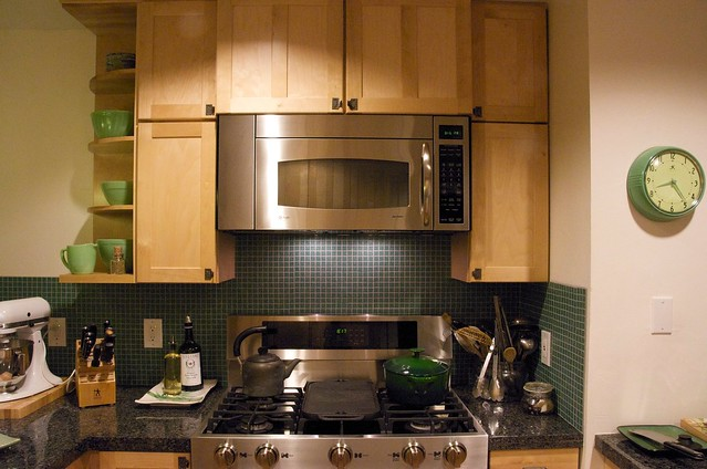 Green Countertop Kitchen What Color Paint