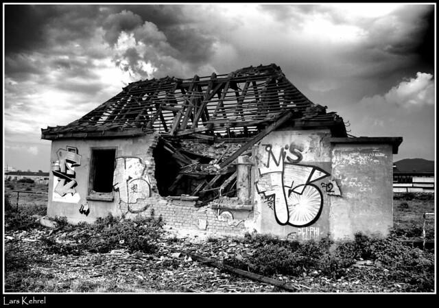 broken house   Explore Lars Kehrel's photos on Flickr ...
