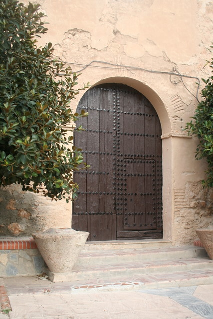 puerta iglesia padules