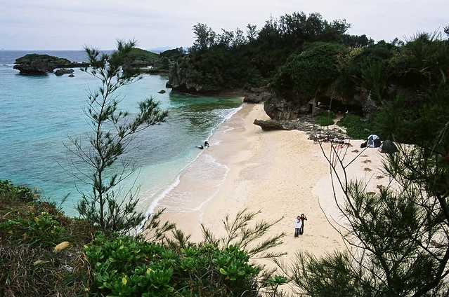 OKINAWA ! Maeda Flats - Gun Cave Beach on a Cloudy Day