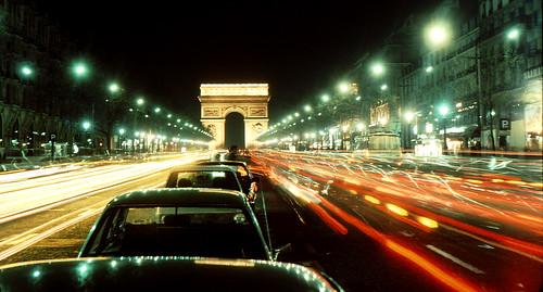 PARIS, Champs Elysees bei Nacht ,  6 v