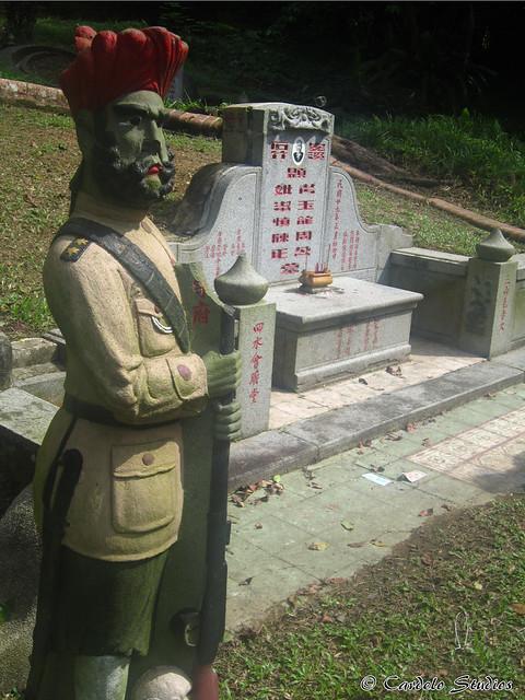 Bukit Brown - Tomb of Chew Geok Leong 01
