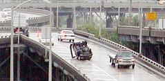 high-speed rail(0.0), train(0.0), public transport(0.0), monorail(0.0), rolling stock(0.0), walkway(0.0), skyway(0.0), rapid transit(0.0), pedestrian(0.0), waterway(0.0), traffic(1.0), vehicle(1.0), transport(1.0), mode of transport(1.0), overpass(1.0), bridge(1.0),