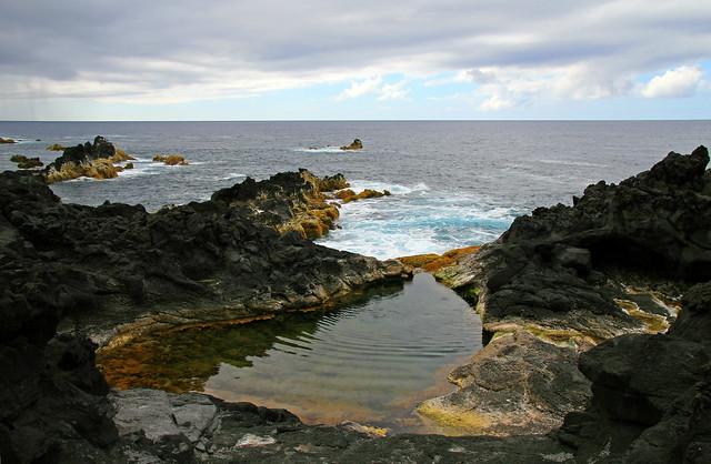 Piscinas naturales de mosteiros a ores flickr photo for Portugal piscinas naturales