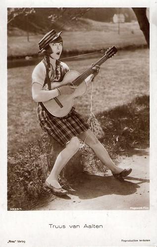 Truus van Aalten in Die lustigen Vagabunden (1928)