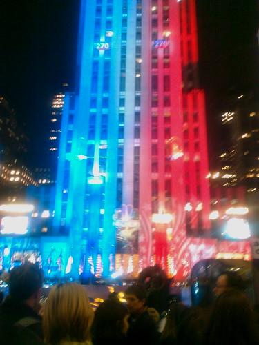 Rockefeller Plaza är ikväll Election Plaza