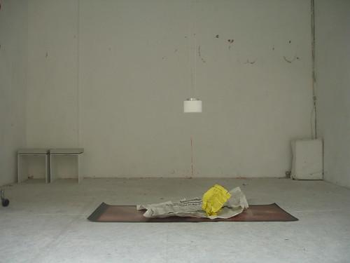 Letzte Installation im Kunstraum Grxxgs im Nordend. März 2006 --- grxxgs08263
