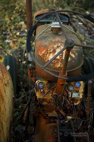 old tractor geotagged island rust farm farming case surrey janusz leszczynski barnston rustingaway geo:lat=49192902 geo:lon=122676237