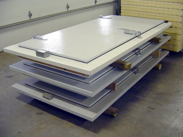 replacement new used walk in cooler freezer doors for