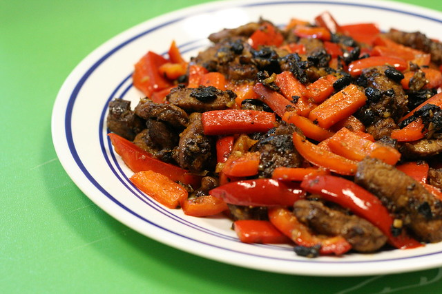 stir-fried pork and red bell pepper with garlic and black bean sauce ...
