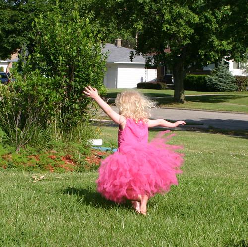 Ballerina tulle, Dancing