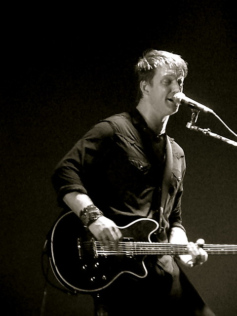 guitar hero josh homme from queens of the stone age flickr photo sharing. Black Bedroom Furniture Sets. Home Design Ideas