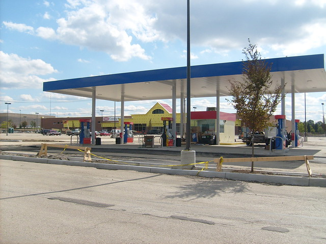 giant gas stations - photo #9