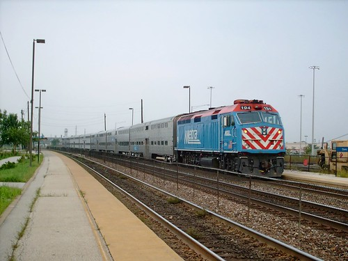 Eastbound Metra commuter local. Cicero Illinois. September 2007. by Eddie from Chicago