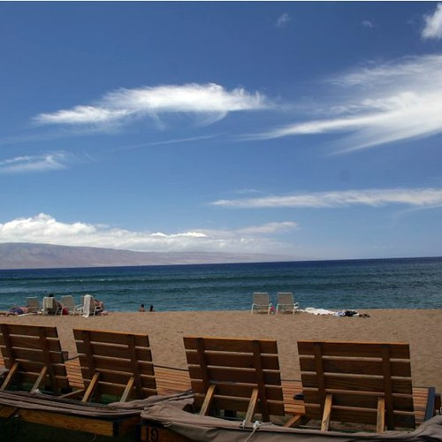 Front row beach chairs outside of the Ka'anapali Ali'i.