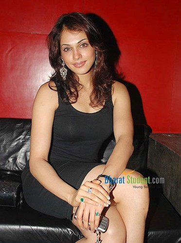 ishakoppikar,ishakoppikar, bollywood tollywood hindi tekugu masala hot and sexy indian actress