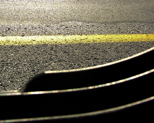 Une ligne jaune