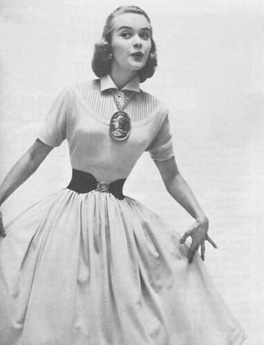 Фотографии платьев 60 х 70 х годов.