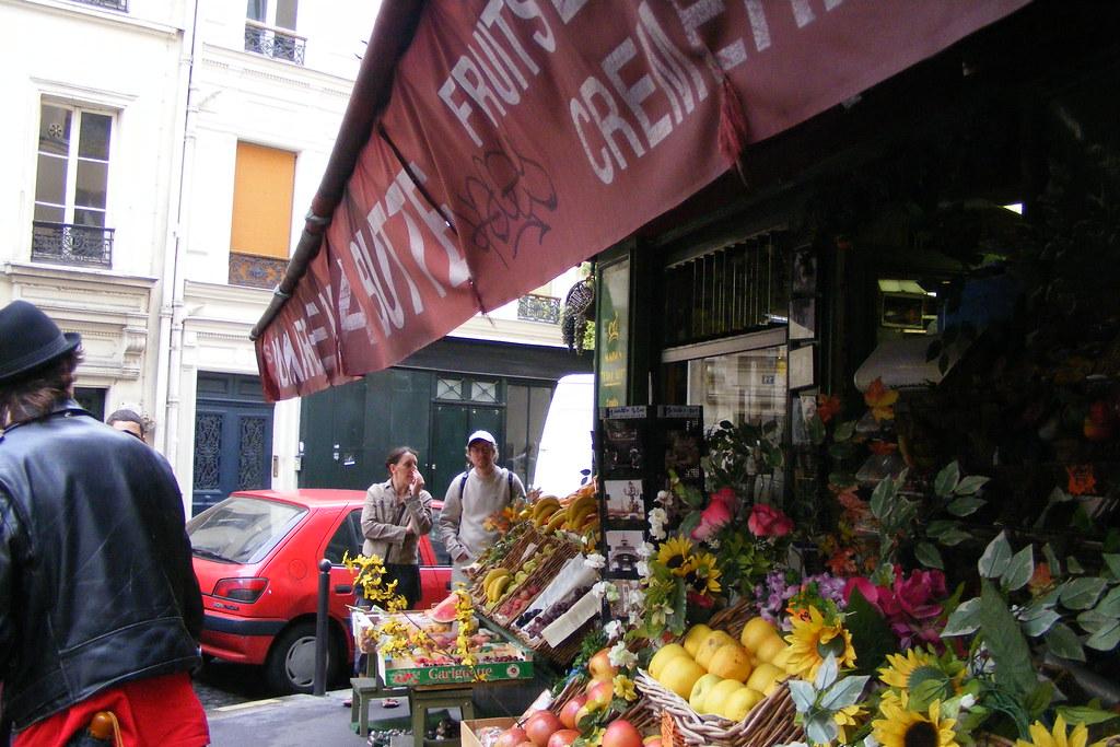 Risultati immagini per amelie fruit seller