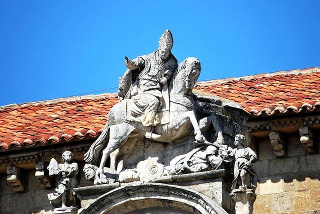 07  LEÓN. Real Colegiata de San Isidoro Exterior fachada Sur portada del Cordero  remate superior San Isidoro 949