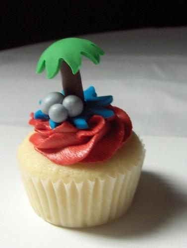 Palm Tree Cupcake Cake