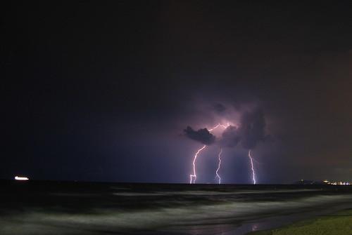 tuoni e fulmini in alto mare by Claudio61 una foto ferma un ricordo nel tempo