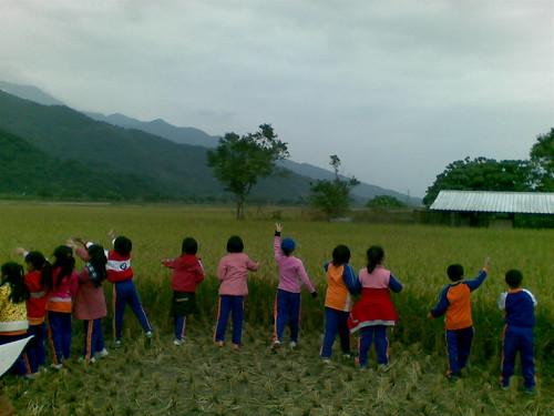 主婦聯盟以及幾個團體積極推動無基改農區。(圖:主婦聯盟基金會)