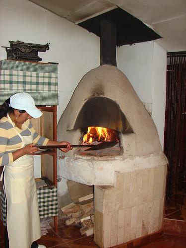 Puno per horno de le a a photo on flickriver - Hornos de lena tradicionales ...