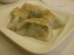 日, 2011-06-05 10:17 - 敦城海鮮酒家 の飲茶 Asian Jewels Seafood Restaurant  ニラと思いきやブロッコリー。この皮を焼いたタイプもいいね