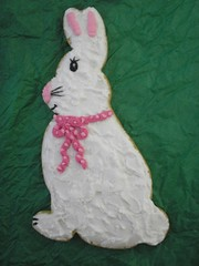 royal icing bunny cookie