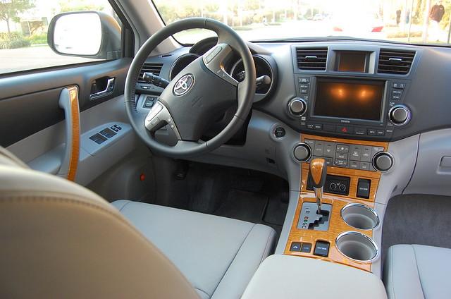 2008 toyota highlander hybrid interior driver side. Black Bedroom Furniture Sets. Home Design Ideas
