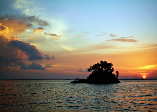 sunset indonesia borneo kalimantan balikpapan naturesfinest eastkalimantan justclouds abigfave eastborneo platinumphoto colorphotoaward melawai makassarstrait