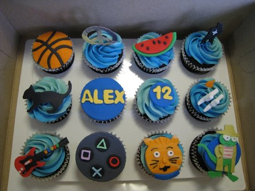 3066756205 b430d0ae17 jpgCool Cupcakes For Boys