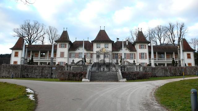 Castle Waldegg, Feldbrunnen