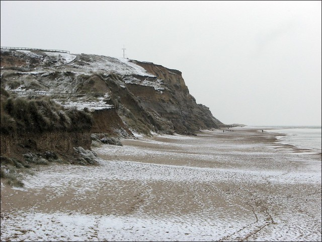 Snow at Hengistbury Head